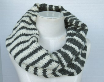 Wool infinity scarf grey white hand knitted