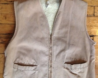 Vintage Carhartt duck camvas and shearling hunting vest USA