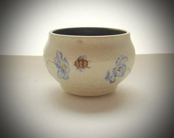Tea Bowl Tea Cup Single Cup Wine Cup Yunomi Bees Flowers One of a Kind