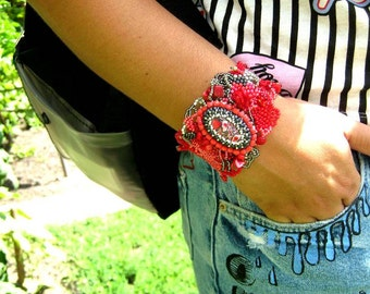 Red bracelet, Beaded jewelry, Womens bracelet, Seed bead bracelet, Handmade jewelry, Boho bracelet