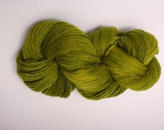 Single Ply sp Worsted Yarn  Hand dyed Merino Wsp15003 Peridot