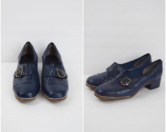 Vintage Silver Steps navy blue buckled shoes / retro heeled oxfords