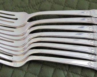 8 Vintage Silverpate Salad Cake Dessert Forks By 1847 Rogers First Love Pattern, Circa 1940