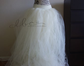 Bridal tulle skirt with lining and train/birthday skirt/tulle skirt/senior prop
