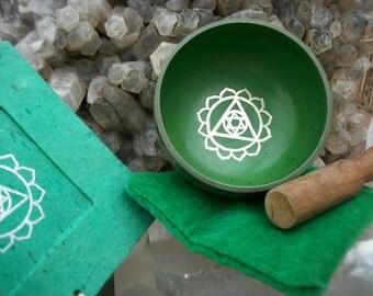 SINGING BOWL Vintage Handmade Nepal - Green Lotus Triangle Star of David Gift Box Tibet Buddha Meditate Chakra Clear Altar Tool Zen  Incense