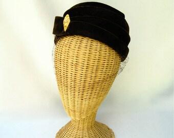 Vintage Ladies Hat Brown Velvet Toque Layered Veil