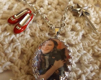 Dorothy & Toto ~The Wizard Of Oz~Oval Bezel Pendant Necklace~Handcrafted Jewelry