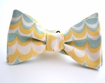 Self Tie Bowtie, Yellow and Sage Bow tie, Groomsmen Bow Tie, Freestyle Bowtie, Wedding Bowties, Yellow Bow Tie, Pastel Bow Tie