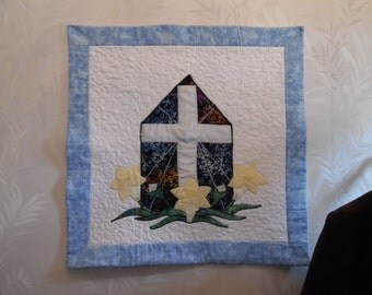 Quilted Cross and Flowers  Easter Promise