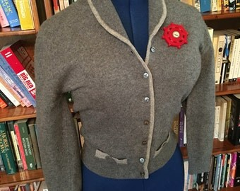 SNUG AS a BUG--Sweet 1950s Heather Gray Cashmere Cardigan with Great Detailing-S