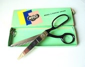 Classy vintage 50s scissors  sewing shears. With original box. Made by Wiss in USA.