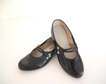 Vintage Girls Shoes, 1950's Rare Black Patent Leather Girls Shoes, Vintage Girl's Shoes, Girls Black Patent Leather Shoes, Size 10