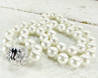 Vintage SWAROVSKI Pearl Choker Necklace, Hand Knotted White Glass Pearls, Swarovski Crystal Silver Ball Clasp, 1980s Wedding Bridal Jewelry