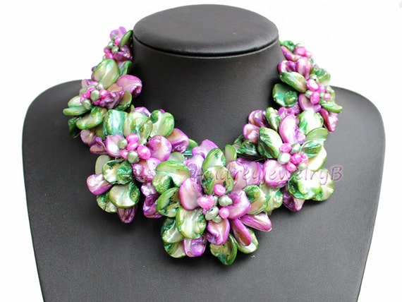 Natural Freshwater Pearl shell Flower Necklace SetStatement Necklace Bib Necklace  sister gift, friend gift, mothers gift, wedding gift