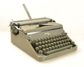 Vintage 1954 Hermes 2000 Manual Typewriter in Excellent Working Condition, Made in Switzerland
