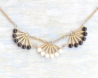 Art Deco Short Necklace - tiny fans - Elegant Vintage Jewelry - White pearls and Navy blue Beads