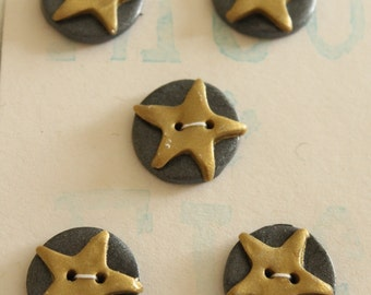 Hand made 20mm round buttons, gold stars, set of 5. Polymer Clay.