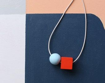 2 shapes make a necklace