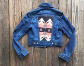 Dark Wash Levi's Denim Jacket with Neutral Pendleton Back. Size Small