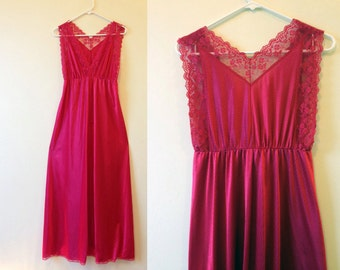 Vintage Magenta Lace Nightgown / USA Union Made / Floor Length Nightgown / Deep Red Nightgown / Size M