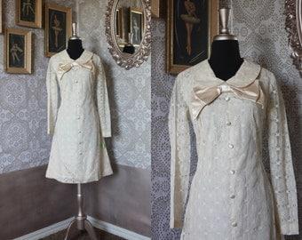 Vintage Late 1960's Beige Mod Mini Lace Wedding Dress Babydoll Dress Small NOS