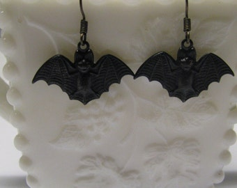 Halloween Earrings, Black Flying Bat Earrings, Pierced Halloween Bat Earrings, Dangle Earrings, Steampunk, Steam Punk Bat Earrings