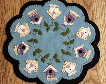 Summer Rental Birdhouse Penny Wool Candle Mat