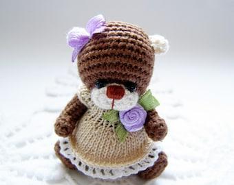 Miniature croachet teddy bear PRALINE by Laska