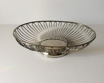 Vintage Silver Wire Bread Basket, Silver Oval Basket Fruit Basket Mid Century Modern Centerpiece Fruit Bowl Bread Bowl Muffin Basket