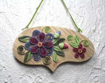 Wall hanging/pine wall hanging bubble/quilling/quilled flowers/quilled frame/home décor/housewarming gift