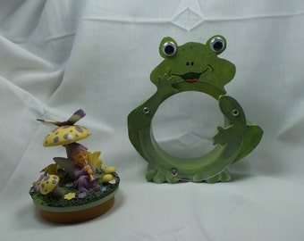 Moving Sale - Frog Wooden Bank - Happy Green Frog