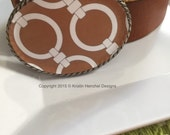 Kristin Henchel belt buckle - Tan and White