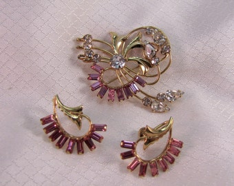 c1940' DeCurtis Gold Filled Fashion Brooch with Matching Earrings
