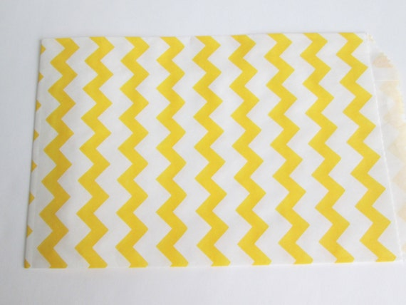 10 yellow and white goodie bags, treat bags, gift bag, 5 x 7 inch bags, chevron print bags, paper bags