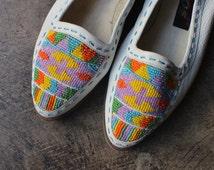 8 1/2 Beaded Moccasins / Southwest Leather Shoes /  Women's Vintage Slip On Loafer