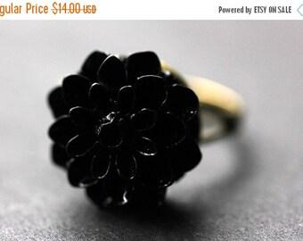 VALENTINE SALE Black Mum Flower Ring. Black Chrysanthemum Ring. Black Flower Ring. Adjustable Ring. Handmade Flower Jewelry.
