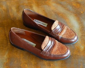 vintage Etienne Aigner brown leather loafers / size 6