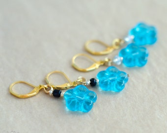 Crochet Stich Markers - set of 4 - gold and blue flower knitting stitch markers