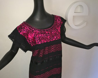 HIGH QUALITY Hand Embroidered Vintage 60s 70s Mexican Dress 1960s 1970s Hippie Boho Oaxacan Mexico Black Cotton Hot Pink Magenta size Medium