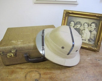 Vintage Safari / Pith Helmet Made In India. Never worn. Costume Pith Helmet. Safari helmet. Pith Helmet.