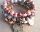 "Acai Seeds Charms Bracelets - 3 - Mauve, pink, natural beige, charms, ""dreaming of the sea"", ""live with no regrets"", flipflop"