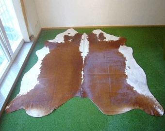 Cowhide Natural 2519 - 7.2x7.8 ft. (221x237 cm)
