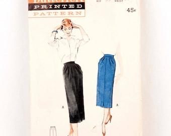 1950s Butterick 5595 // slim pencil skirt
