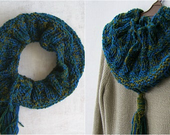 Tassel Cowl Scarf Outlander, Mori Girl Scarf, Infinity Scarf Slouchy, Green Blue Cowl, Chunky Winter Scarf, Tube Scarf, Soft Snood Cowl Knit