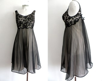 50s Black Lace Night Gown - S M