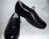 Vintage Ladies Black Leather Oxfords Comfort Granny Shoes by SAS Size 7 Only 9 USD