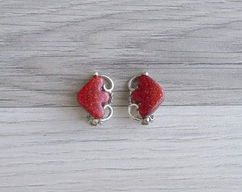 15% SALE (Code In Shop) - Vintage 80's 'Twisted Love' Red Glitter Heart Clip On Earrings