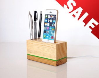 iPhone 5 / 5S / 5C / SE / 6 / 6S / 7 Dock  - iPhone dock with Interchangeable cords/connectors - pen holder - desk/office accessory