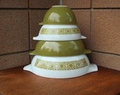 Pyrex Verde Square Flowers Cinderella Bowl Set