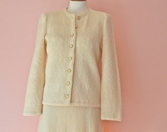 Ivory Knit Skirt  Suit. Sweater Jacket. A line Skirt. Castleberry. Modern Size Small Medium - VDS174